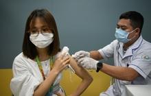 Bộ trưởng Bộ Y tế: Chiến dịch tiêm chủng lớn nhất lịch sử đảm bảo 70 triệu người dân được tiếp cận vaccine Covid-19, tiến tới đạt miễn dịch cộng đồng