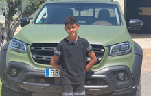 Ronaldo mua xe 6 tỷ cho cậu cả nhân dịp sinh nhật 11 tuổi?