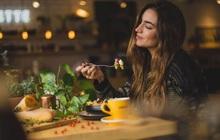 """""""Chôm chỉa"""" thực đơn ăn uống mỗi ngày của phụ nữ Pháp, bảo sao mà ai nấy đều thon thả, body như siêu mẫu"""