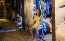 """Nóng bủa vây cả đêm ở xóm chạy thận Hà Nội: """"Cả căn phòng cứ như cái lò nung, mỗi ngày chỉ ngủ được 2-3 tiếng"""""""