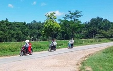 """Màn rước dâu bằng xe máy có """"1-0-2"""" ở Nghệ An giữa mùa dịch"""
