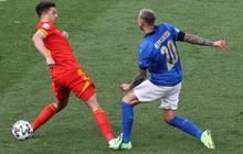 Hậu vệ xứ Wales ăn thẻ đỏ trực tiếp sau pha vào bóng bằng gầm giày nguy hiểm