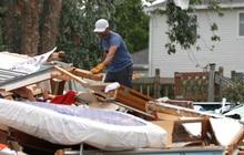 Ít nhất 5 người bị thương, hàng chục ngôi nhà bị phá hủy do lốc xoáy ở Mỹ