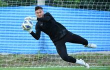 Đặng Văn Lâm tràn đầy năng lượng trong buổi tập đầu tiên tại Thái Lan chuẩn bị cho AFC Champions League 2021