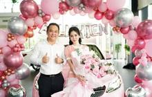 """Tay sales Mẹc """"khét tiếng"""" tiết lộ lý do người Việt khoái bật sâm panh, treo bóng bay và nhận hoa vào ngày nhận xe hơi"""
