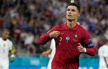 Chùm ảnh đẹp đỉnh quá trời của Ronaldo tại Euro, xuất sắc thế này thì các đàn em theo kịp làm sao đây?