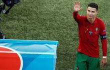 Tại sao Ronaldo toàn mặc áo dài tay thi đấu trong khi đồng đội mặc áo ngắn tay?
