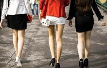 Cán bộ, công chức thuộc Bộ Nội vụ phải ăn mặc kín đáo, váy quá gối, không mặc quần bò, váy xẻ tà quá cao