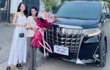 Sam mua xe hơi cho mẹ đi chợ: Giá 4,6 tỷ đồng, đặt 6 tháng mới về
