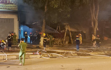 Cháy lớn tại cơ sở gia công gỗ, thiệt hại hàng trăm triệu đồng