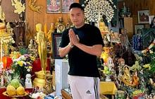 Cao Thái Sơn bị chỉ trích vì tư thế đứng phản cảm ở chùa, chính chủ lên tiếng giải thích có hợp lý?