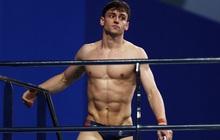 """Nam thần khiến các fan """"ối giời ơi"""" khi cởi áo tập luyện tại Olympic: Cơ bụng đỉnh cao chẳng kém gì Ronaldo"""