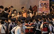 Phản đối Olympic 2020, dân Nhật Bản biểu tình ngay bên ngoài sân tổ chức khai mạc