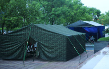 Ảnh: Dựng lều dã chiến, cách ly y tế chung cư ở Khu đô thị Ngoại giao đoàn