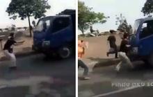 Thực hiện thử thách chặn đầu xe tải bằng tay không trên TikTok, 1 thiếu niên bị tông thiệt mạng