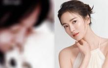 Song Hye Kyo đăng ảnh với cún cưng, vô tình lộ nhan sắc thật khi để mặt mộc ở nhà giữa mùa dịch