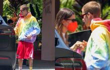 Justin Bieber và bà xã tái xuất sau lùm xùm thái độ la hét, hành động nhỏ nhưng đầy tinh tế của nam ca sĩ gây chú ý