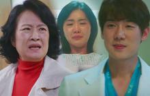 """Hospital Playlist 2 lại có bà mẹ chồng """"siêu cay nghiệt"""" khiến sản phụ suy sụp, nhưng bác sĩ Jung Won nói 1 câu là câm nín!"""