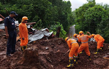 9 người thiệt mạng do lở đất tại Ấn Độ, mưa lớn gây ngập lụt tại thủ đô London