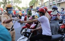 TP.HCM xử phạt cán bộ ra đường không đeo thẻ ngành, mặc đồng phục