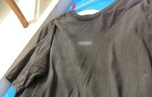 """Bạn trẻ mua áo local brand vài trăm về giặt vài lần đã bạc phếch, netizen bình phẩm: """"Ảo"""" thật đấy!"""