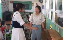 Con gái làm mất vòng vàng đắt tiền ở lớp, mẹ đến nhờ trường tìm giúp nhưng câu trả lời và thái độ của cô giáo khiến người mẹ câm nín