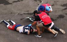 Kinh hoàng khoảnh khắc tay đua BMX bị đồng nghiệp chèn qua người, phải nhập viện khẩn cấp ở Olympic 2020