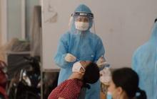 Hà Nội: Xét nghiệm Covid-19 cho hàng nghìn người dân gần Bệnh viện Phổi Hà Nội