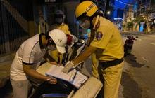 TP.HCM: Ra đường đi mua mì gói cho vợ sau 18h, thanh niên bỏ chạy khi gặp CSGT