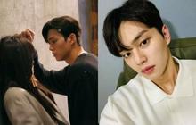 """Song Kang (Nevertheless) bị soi chỉ trung thành duy nhất với một kiểu selfie, nhưng sao fan chỉ đòi """"xem bươm bướm""""?"""