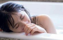 3 bộ phận trên cơ thể nữ giới càng chà xát nhiều khi tắm thì càng đẩy nhanh quá trình lão hóa, không muốn già nhanh thì đừng làm