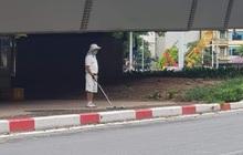 Hà Nội: Đánh golf dưới gầm cầu, người đàn ông bị phạt 1 triệu đồng