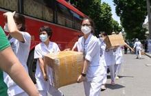 """Gần 200 bác sĩ tinh nhuệ BV Bạch Mai lên đường chống dịch: """"Miền Nam cần, chúng tôi sẽ tiếp tục cử thêm các y bác sĩ vào"""""""