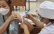 Nơi nào tiêm chậm, Bộ Y tế sẽ chuyển vaccine COVID-19 cho nơi khác