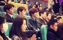 Bức ảnh huyền thoại: Song Joong Ki, Jo In Sung, Kim Woo Bin và 4 sao nam cực phẩm cùng hàng ghế xem phim, ai vào rạp chắc xỉu!