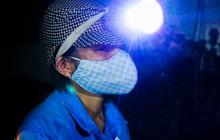 Ấm lòng: Được tặng 5 chiếc xe máy, nữ lao công ở Hà Nội bị cướp xe trong đêm đã tặng lại 2 chiếc cho đồng nghiệp