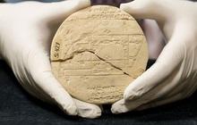 """Tìm thấy """"máy tính bảng"""" 3.700 năm tuổi của người Babylon: Minh chứng hùng hồn nhất của """"xuyên không""""?"""