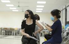 Ảnh: Nhiều phường ở Hà Nội đã hoàn thành tiêm vắc-xin Covid-19 cho người trên 18 tuổi