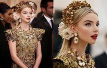 """Có 1 mỹ nhân dự lần đầu đã """"đại náo"""" Met Gala 2018 với nhan sắc kiêu kỳ tựa nữ thần: Thế này sao mãi mới nổi tiếng thế nhỉ?"""