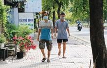 """Người dân """"vùng xanh"""" ở TP.HCM bắt đầu ra công viên tại chung cư, khu nhà ở tập thể dục"""
