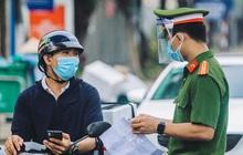 """Hà Nội: 19 quận, huyện """"bình thường mới"""" không kiểm soát giấy đi đường"""