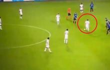 """Mặc kệ Messi rê bóng """"đâm đầu vào tường"""", 6 đồng đội lững thững đứng nhìn"""
