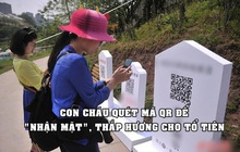 """Tưởng nhớ """"xanh"""": Con cháu quét mã QR để """"nhận mặt"""", thắp hương và dâng hoa online cho tổ tiên"""