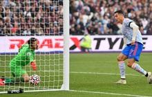 [Trực tiếp Ngoại hạng Anh] West Ham 1-1 MU (H2): Ronaldo bỏ lỡ cơ hội khó tin