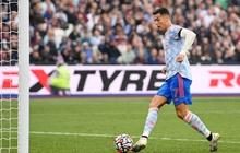 """Ronaldo lại ghi bàn theo phong cách """"Đệm vương"""" thế này thì anti tức quá đi mất thôi"""