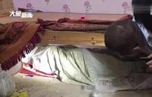 """Bố mẹ """"mất ăn mất ngủ"""" tìm con trai 13 tuổi, 3 ngày sau thấy đứa trẻ ở nơi khó tin"""