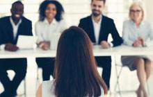 """Câu hỏi phỏng vấn thú vị của nhà tuyển dụng: """"Nếu có 5 cốc nước nhưng có tới 6 vị lãnh đạo, bạn sẽ làm thế nào?"""""""