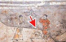 Soi tranh vẽ cảnh sinh hoạt đời xưa trong mộ cổ, dân mạng kịch liệt chỉ trích: Nhìn kỹ mới thấy 1 chi tiết quá mức rùng mình