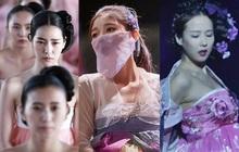 Loạt phim Hàn bị chỉ trích vì biến tấu quốc phục: Hở hang, phản cảm, toàn bắt diễn viên khoe vòng một