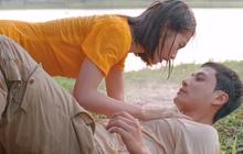 """Khả Ngân đè ngửa crush để """"tỏ tình"""" ở 11 Tháng 5 Ngày tập 24, manh động quá chị gì ơi!"""
